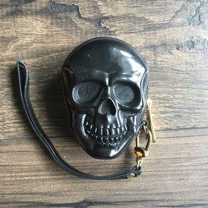 Loungefly black skull vinyl coin purse 👛